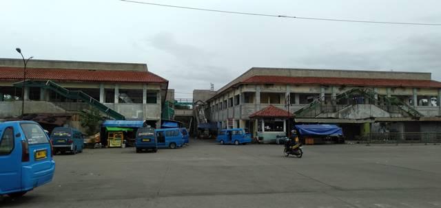 Pasar Laladon Bogor dilihat dari Terminal Laladon bagian dalam