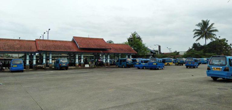 Terminal Laladon - Luarnya Padat Dalamnya Kosong Dan Sepi