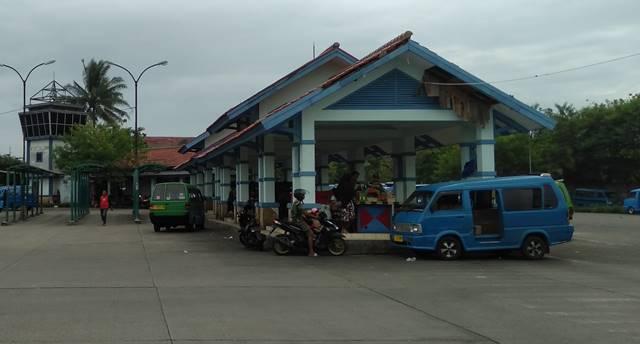 Terminal Laladon - Luarnya Padat Dalamnya Kosong Dan Sepi 9