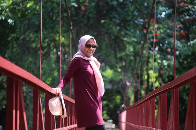 Foto Pacar di Jembatan Putus Cinta Kebun Raya Bogor? Berani?