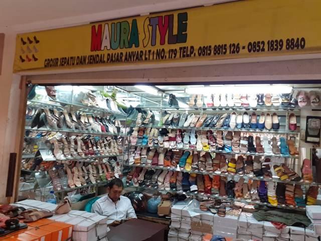 Mau Nyaman Sambil Tetap Gaya, Sepatu dan Sandal Teplek Fasion Maura Style Sajah!
