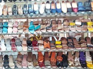 Mau Nyaman Sambil Tetap Gaya, Sepatu dan Sandal Teplek Fashion Maura Style Sajah!
