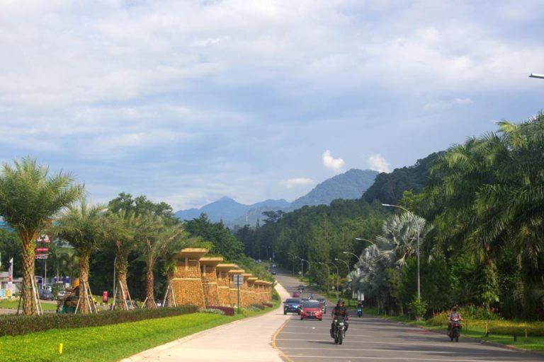 Pemandangan Jalanan Di Sentul City Cantik, Fotogenik Banget F