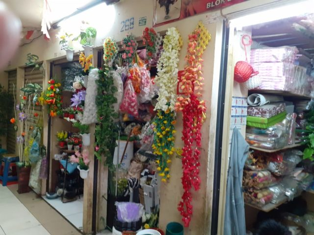 Mau Cari Bunga yang Mekar Abadi dan Tak Akan Pernah Layu? Ke Istana Florist Aja!